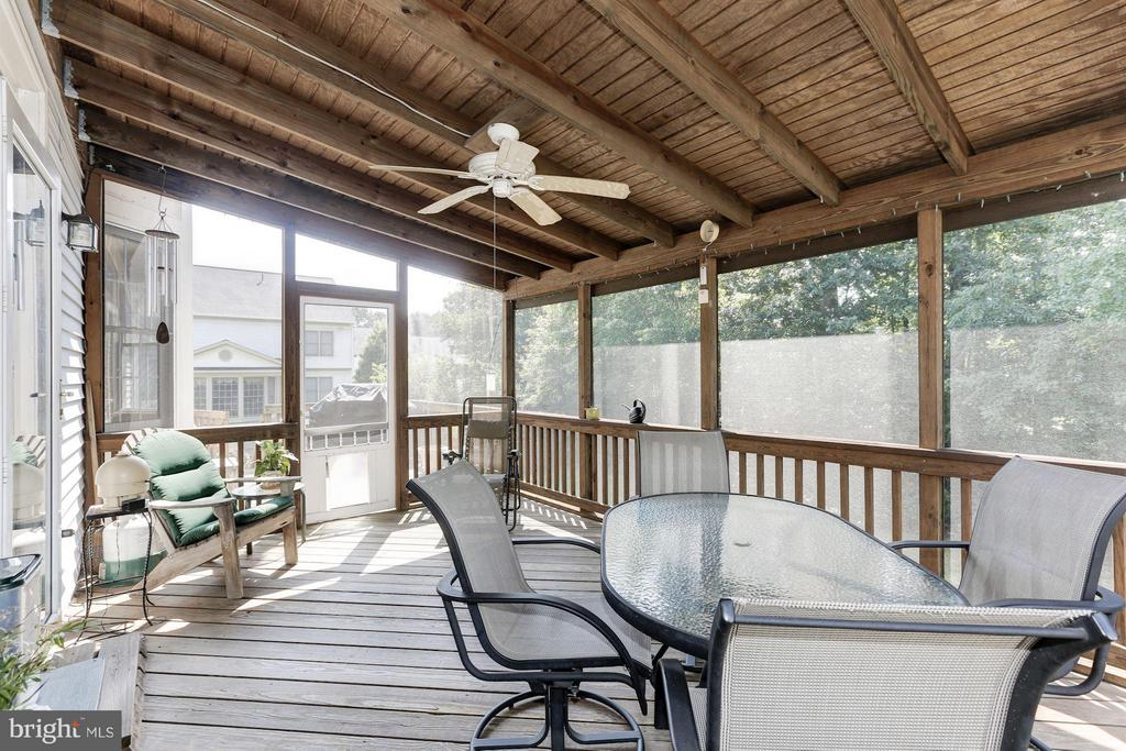 Screened Porch - 5610 WILLOW CROSSING CT, CLIFTON