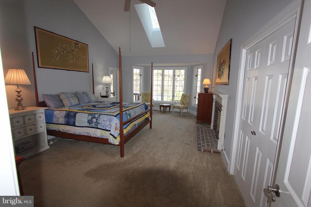 Bedroom (Master) - 4551 SUNSHINE CT, WOODBRIDGE