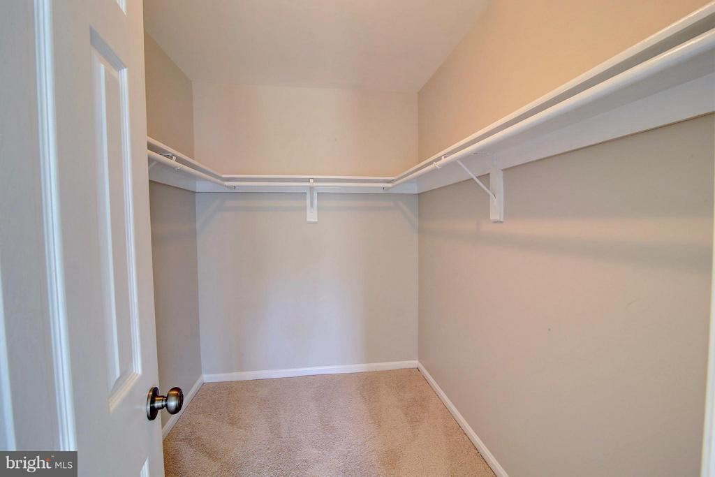 Closet (Master) - 501 ASPEN DR, HERNDON