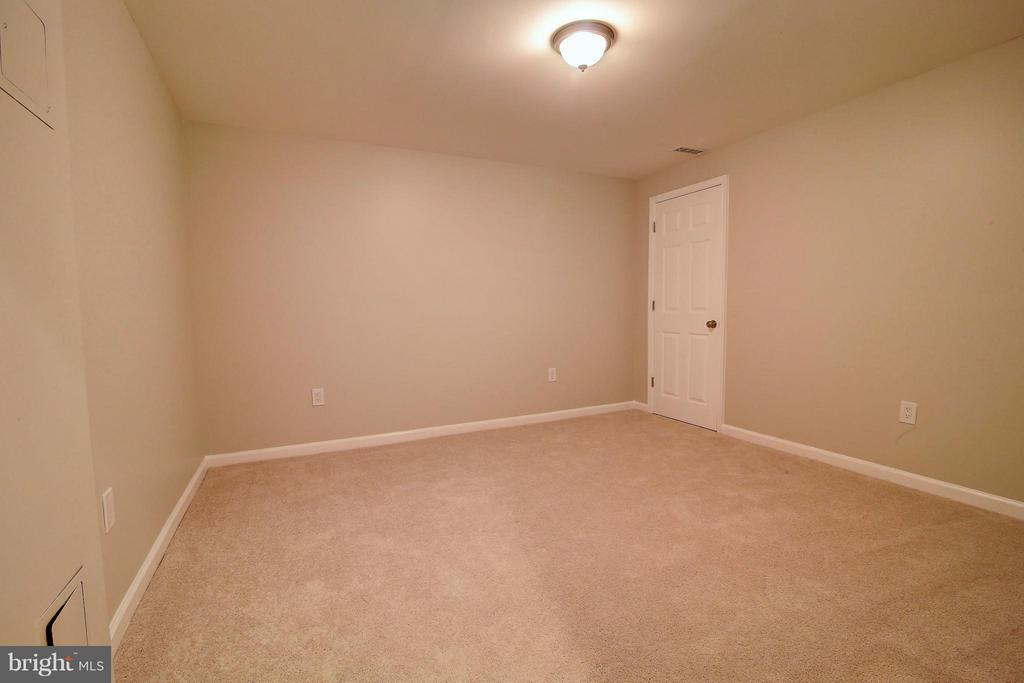 Basement (additional bedroom) - 501 ASPEN DR, HERNDON