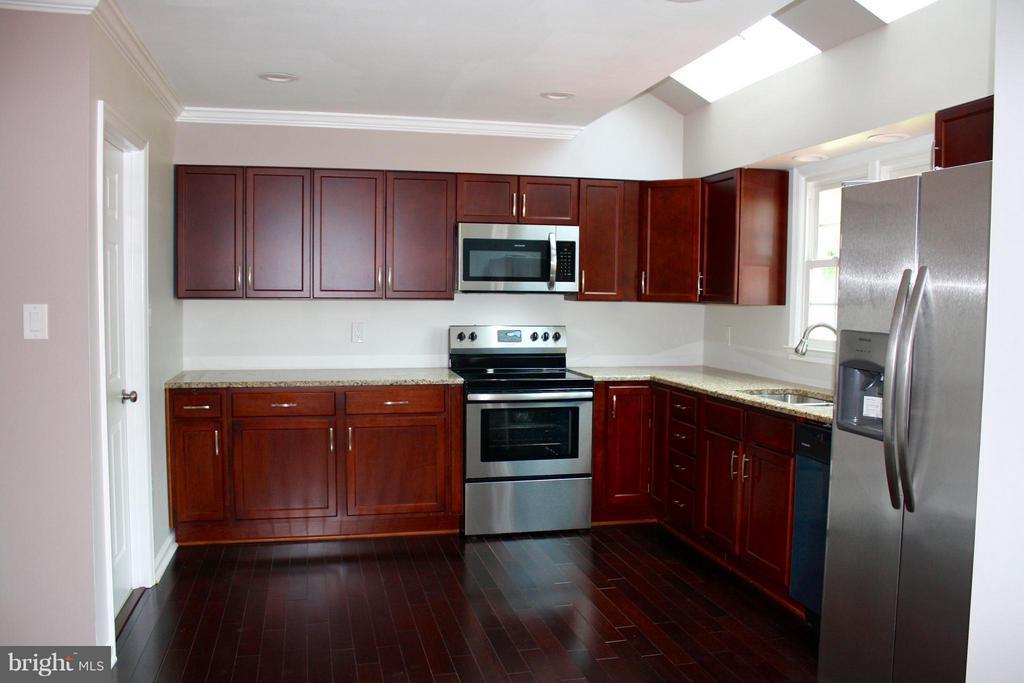 Kitchen - 501 ASPEN DR, HERNDON
