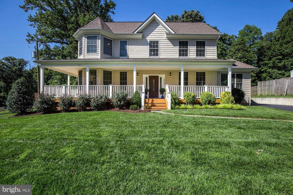 Welcome Home! - 1822 ANDERSON RD, FALLS CHURCH