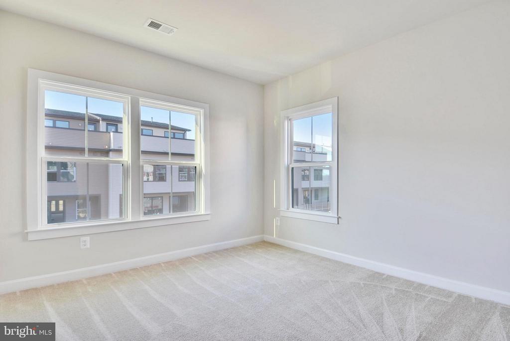 Bedroom 2 - 43382 WHITEHEAD TER, ASHBURN
