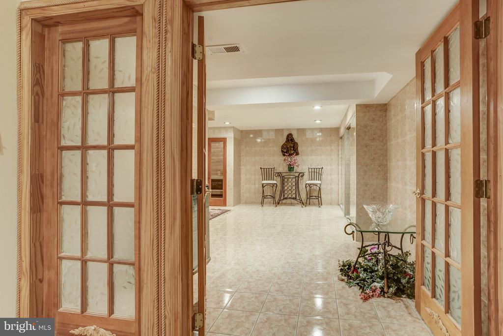 Basement/Entrance to Spa - 7235 CYPRESS HILL DR, GAITHERSBURG
