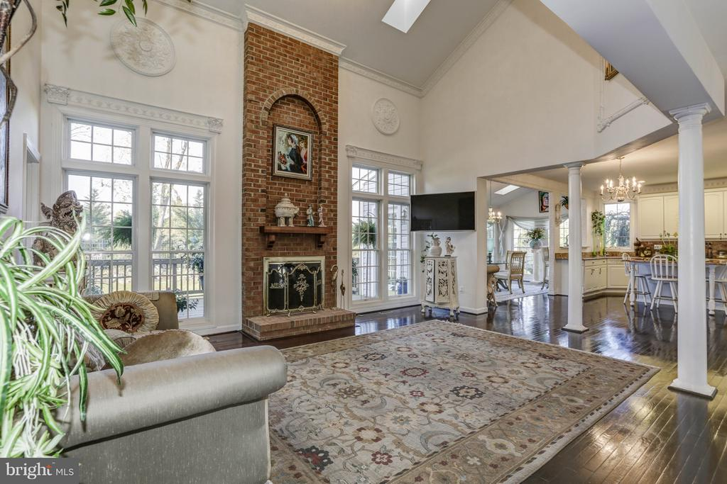 Family Room - 7235 CYPRESS HILL DR, GAITHERSBURG
