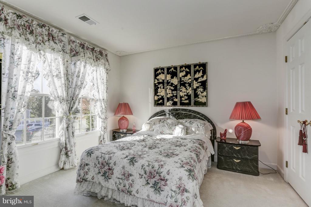Bedroom 2 - 7235 CYPRESS HILL DR, GAITHERSBURG