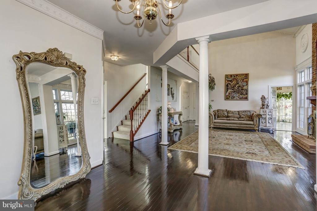 Family Room/staircase (2) - 7235 CYPRESS HILL DR, GAITHERSBURG