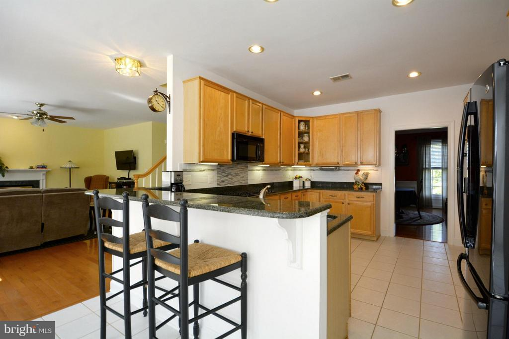Kitchen - 5013 OX RD, FAIRFAX