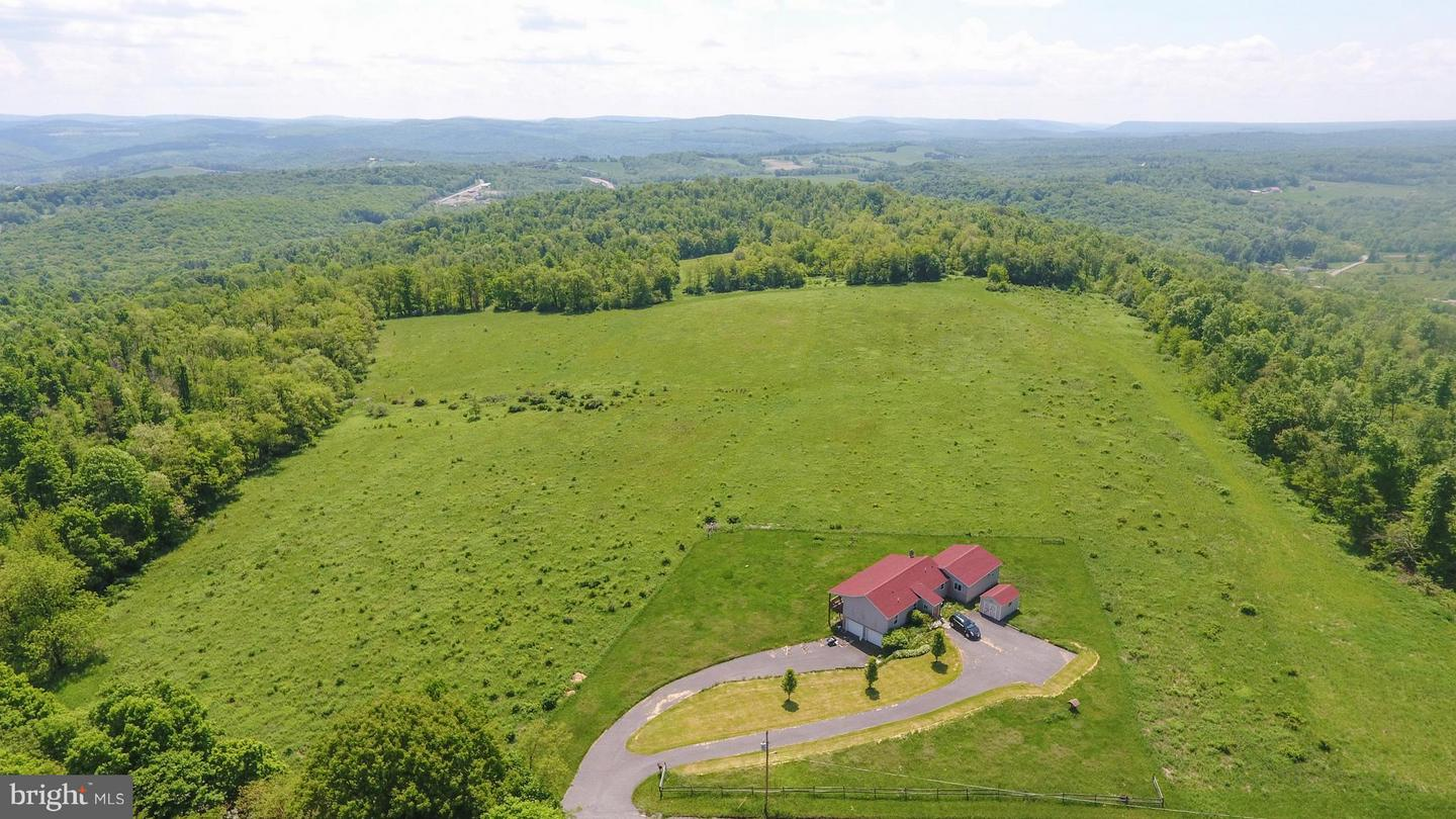 Single Family for Sale at 1250 Sand Spring Rd Friendsville, Maryland 21531 United States