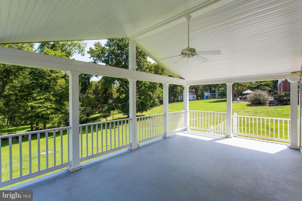 Beautiful Covered Porch - 11414 WAPLES MILL RD, OAKTON