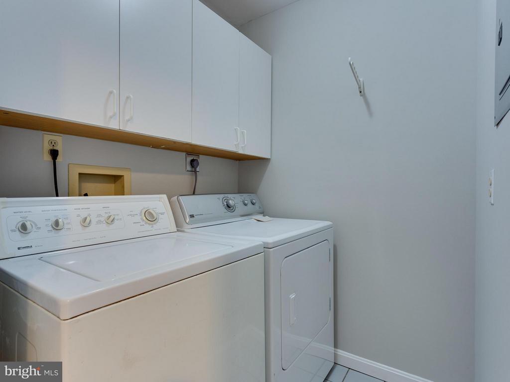 Upper Level Laundry Area - 11414 WAPLES MILL RD, OAKTON