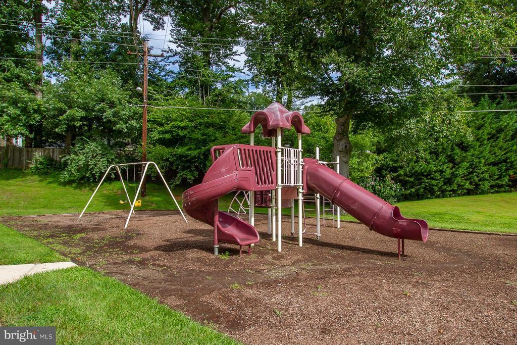 Playground - 10025 MOSBY WOODS DR #318, FAIRFAX