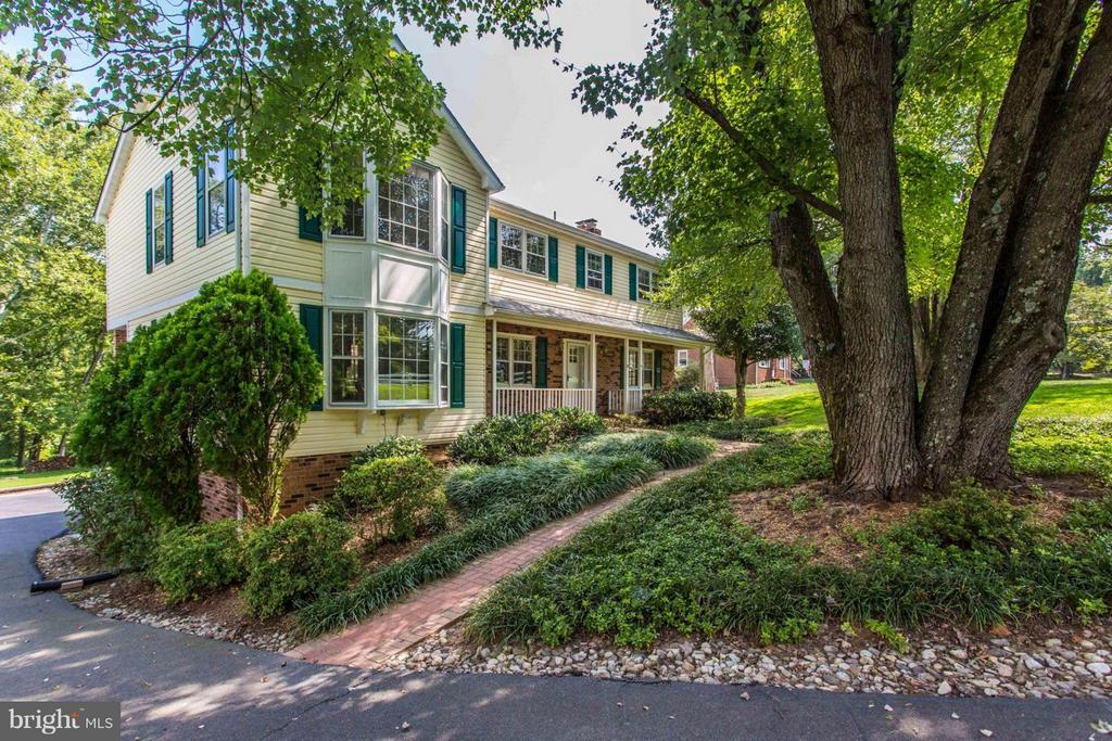 Welcome Home! - 11414 WAPLES MILL RD, OAKTON