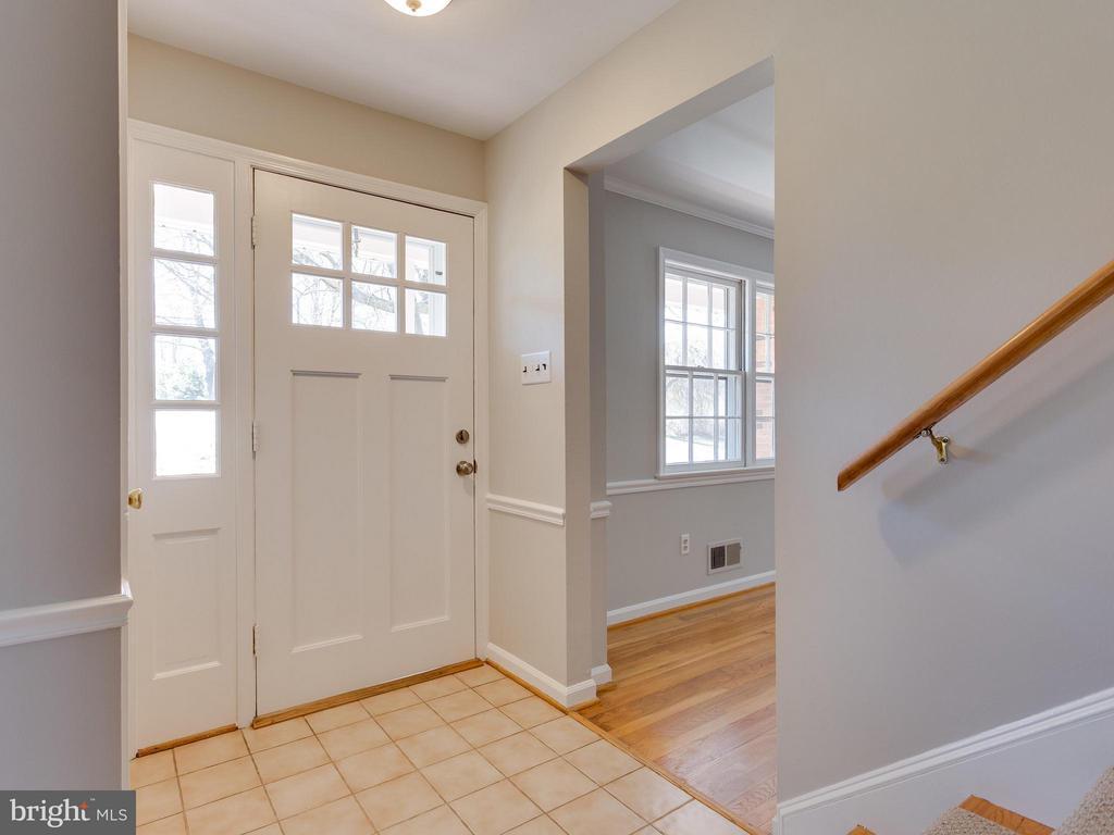 Foyer - 11414 WAPLES MILL RD, OAKTON