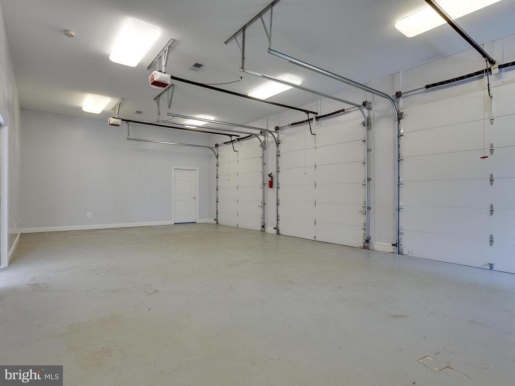 Carriage House 3 Car Garage Area - 11414 WAPLES MILL RD, OAKTON