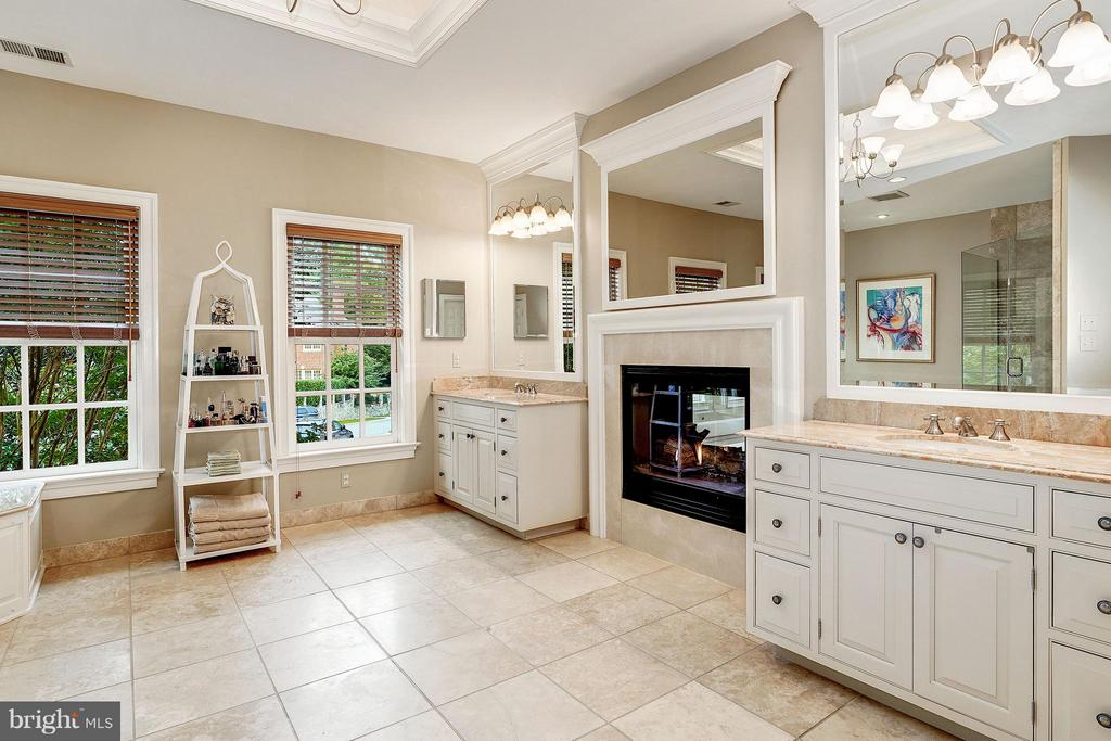 Master Bath with Gas Fireplace and Dual Vanities - 2323 N RIDGEVIEW RD, ARLINGTON