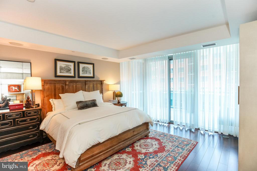 Master Suite with private access to Balcony - 1881 NASH ST #404, ARLINGTON