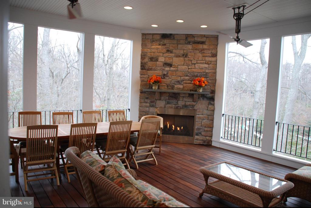 Example of optional fireplace - 317 BONHEUR AVE, GAMBRILLS