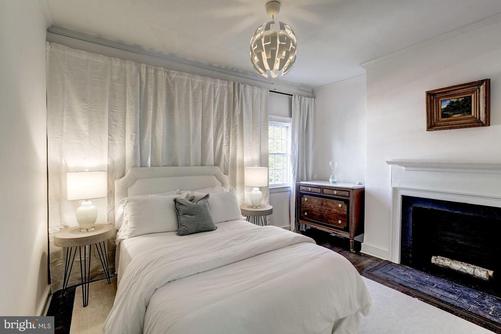 Bedroom (Master) - 504 CAMERON ST, ALEXANDRIA