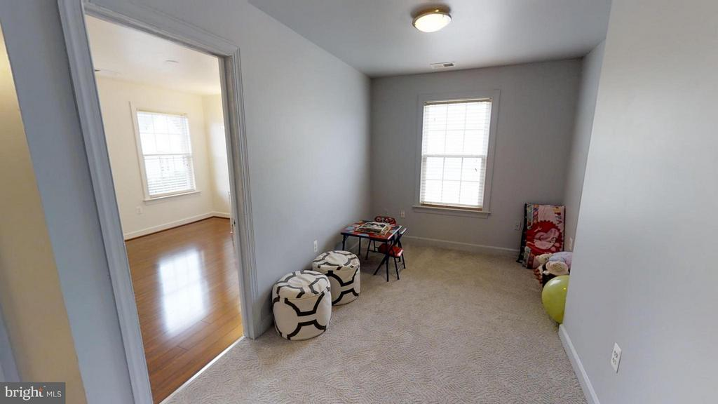 Loft, perfect for kid's play area! - 18534 QUANTICO GATEWAY DR, TRIANGLE