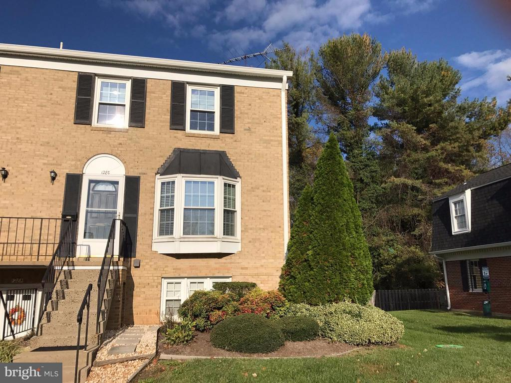 128  FAIRFIELD DRIVE, one of homes for sale in Warrenton