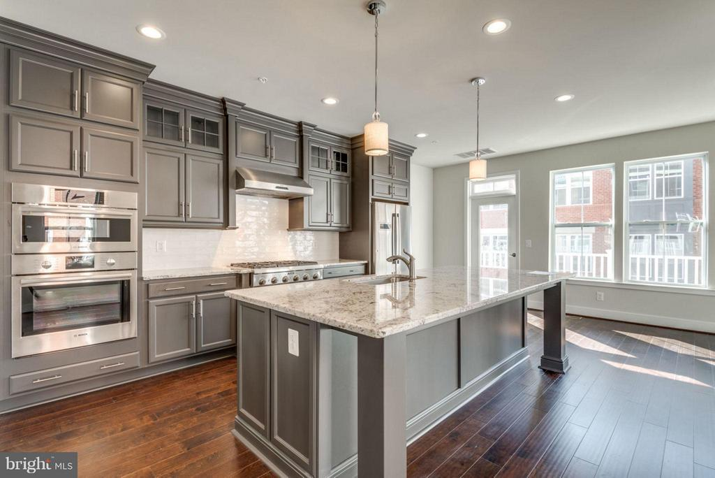GOURMET KITCHEN - 11695 SUNRISE SQUARE PL #08, RESTON