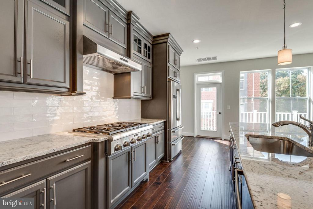 KITCHEN - 11695 SUNRISE SQUARE PL #08, RESTON