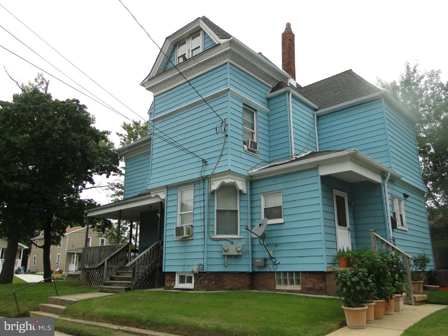 Single Family Home for Sale at 265 GREENWICH Avenue Paulsboro, New Jersey 08066 United States