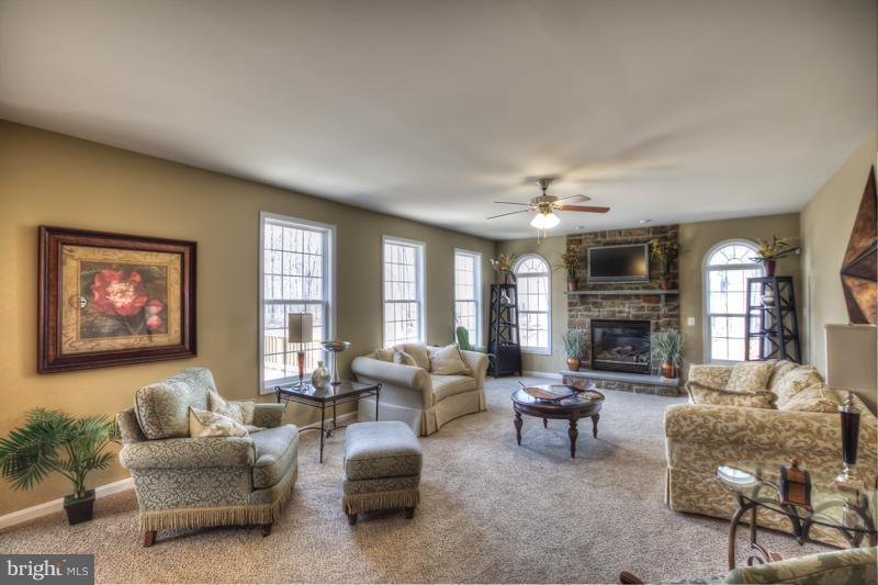 Family Room - 125 HOPE FOREST CT, STAFFORD