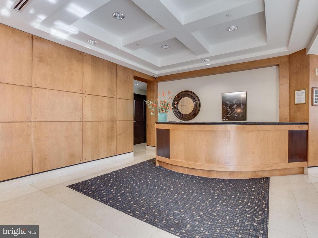 Concierge and 24-hour secure building - 1830 FOUNTAIN DR #1008, RESTON