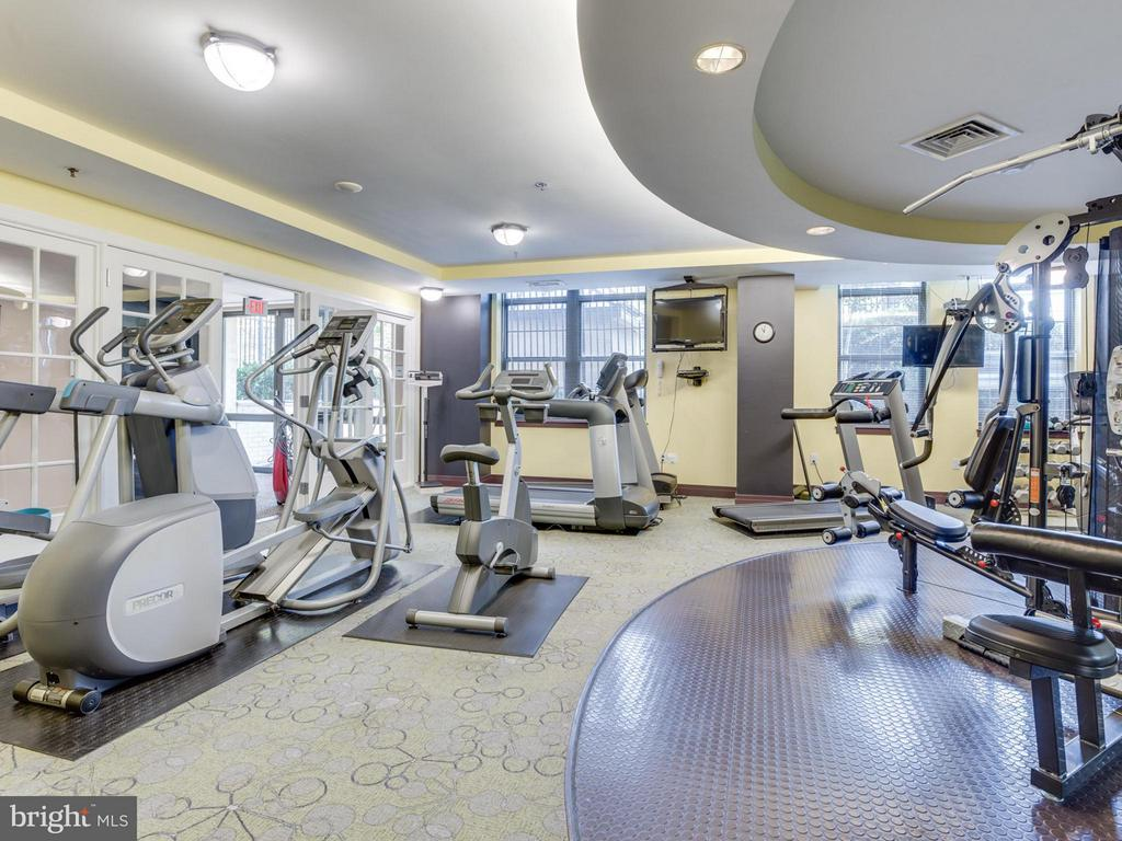 Stay healthy in the fitness room - 1830 FOUNTAIN DR #1008, RESTON