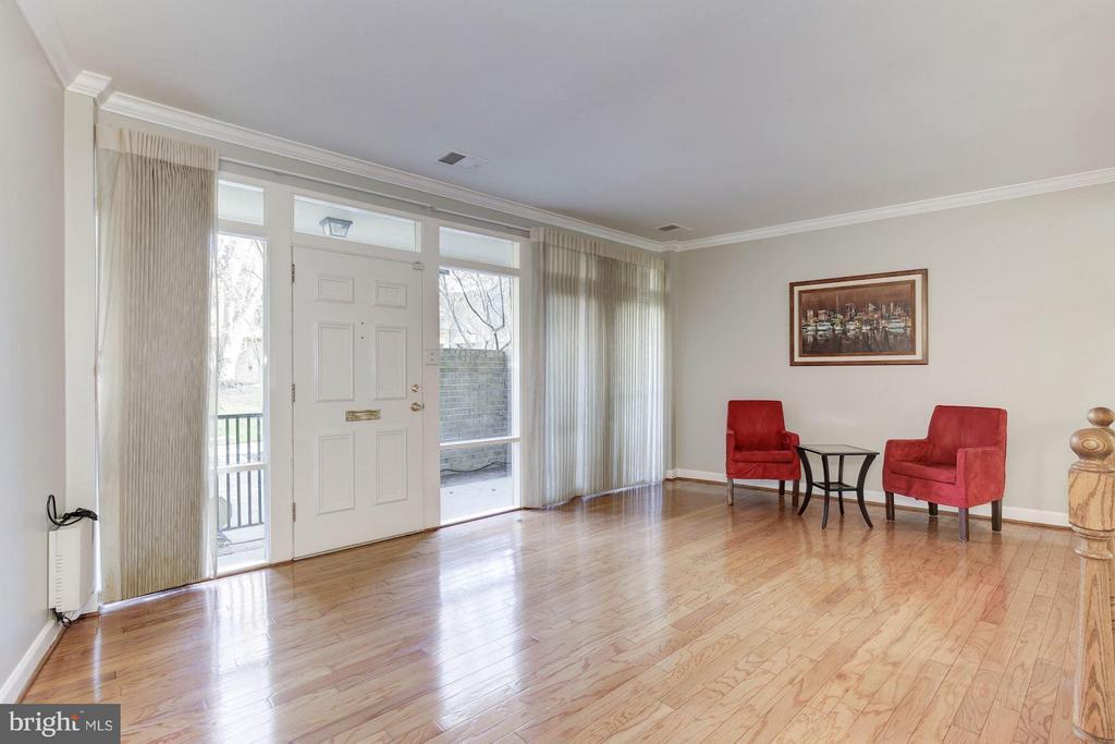 Living Room - 126 MONROE ST #126, ROCKVILLE