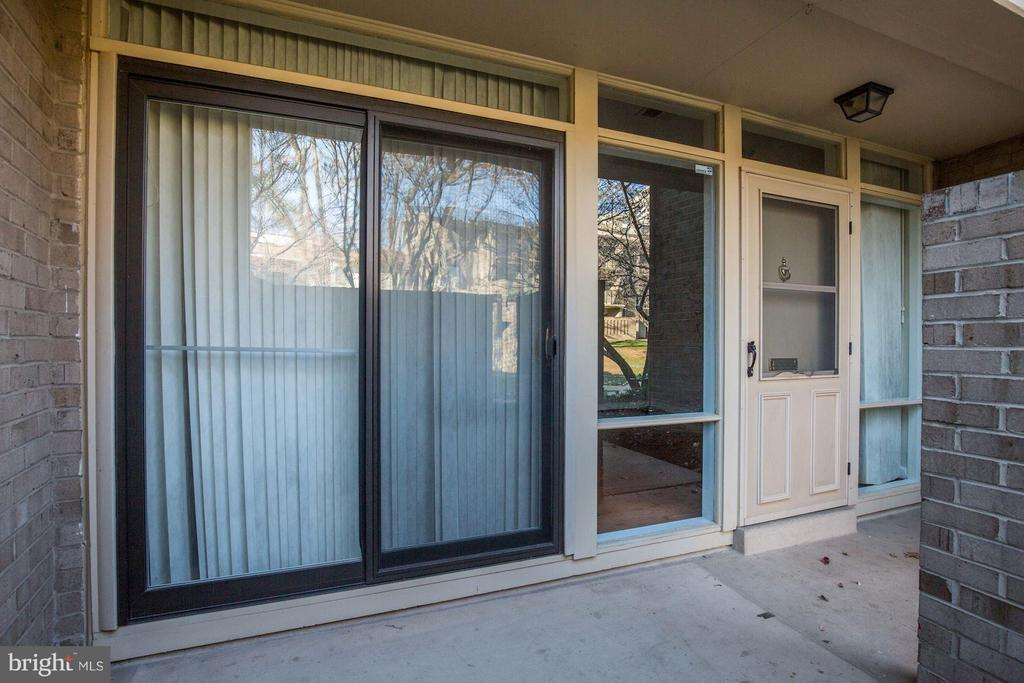 Exterior (Rear) - 126 MONROE ST #126, ROCKVILLE