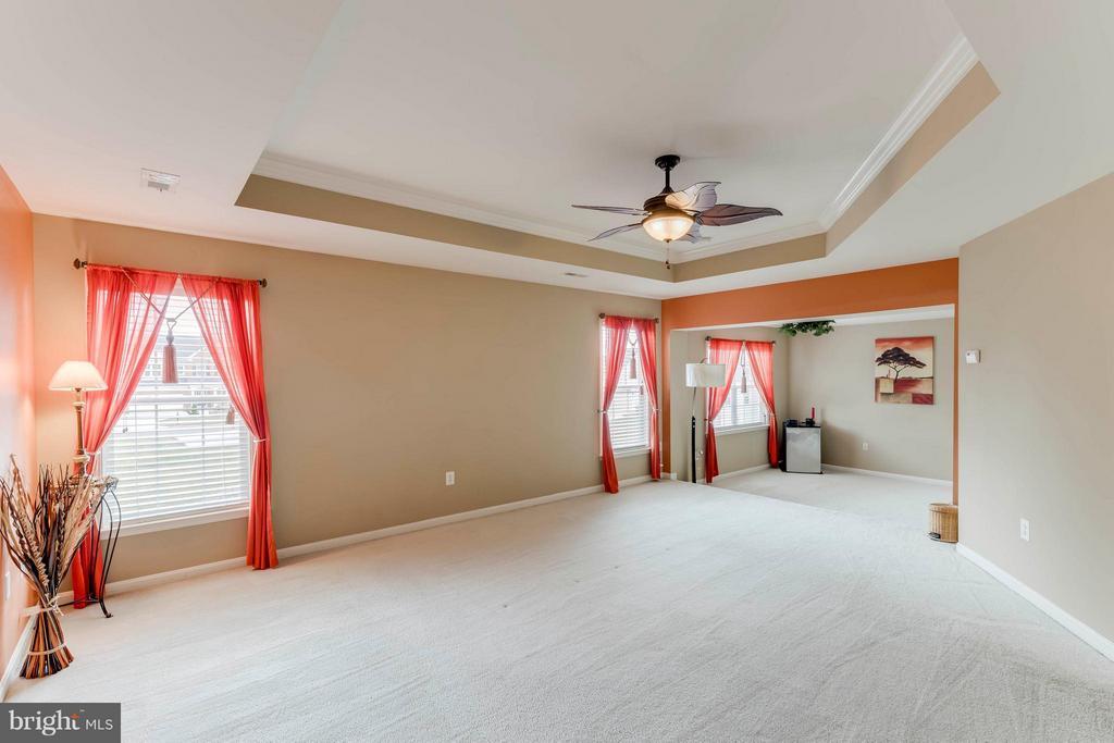 Master Suite w/Sitting Room - 9411 DEEP CREEK LN, FREDERICKSBURG