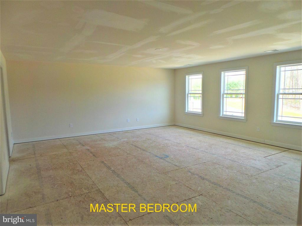 Master Bedroom - 18 STILLWATER LN, FREDERICKSBURG