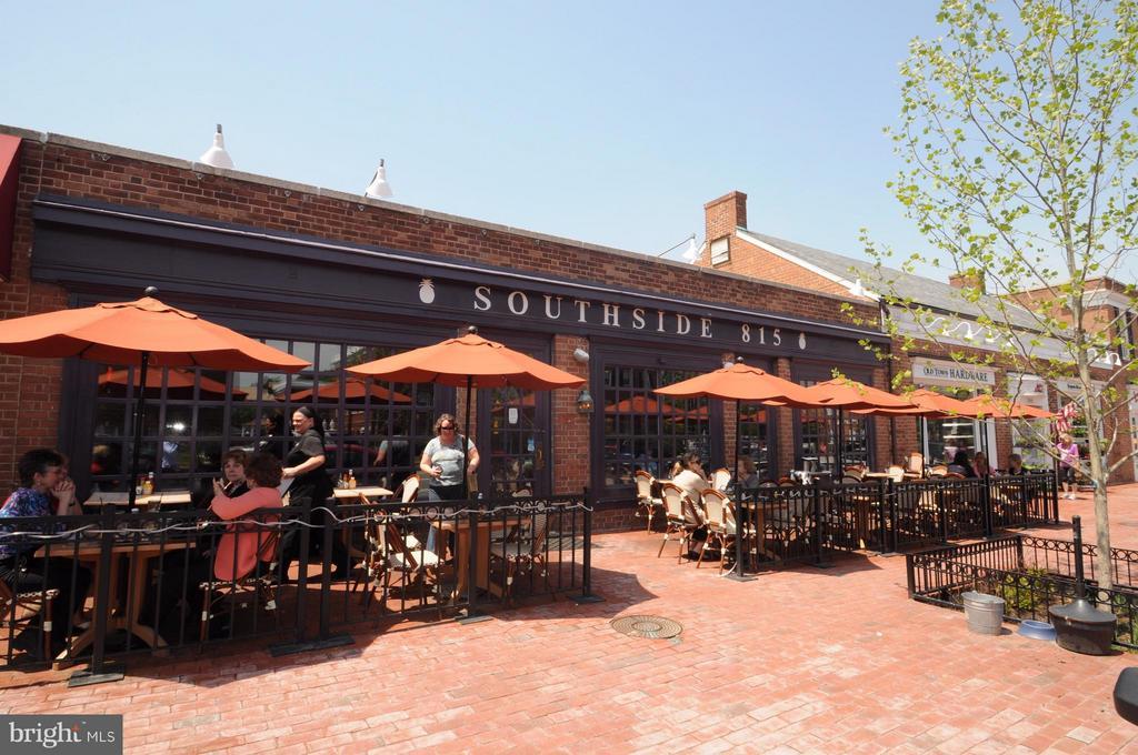 Southside 815 Bar/Restaurant - 718 S WASHINGTON ST #103, ALEXANDRIA