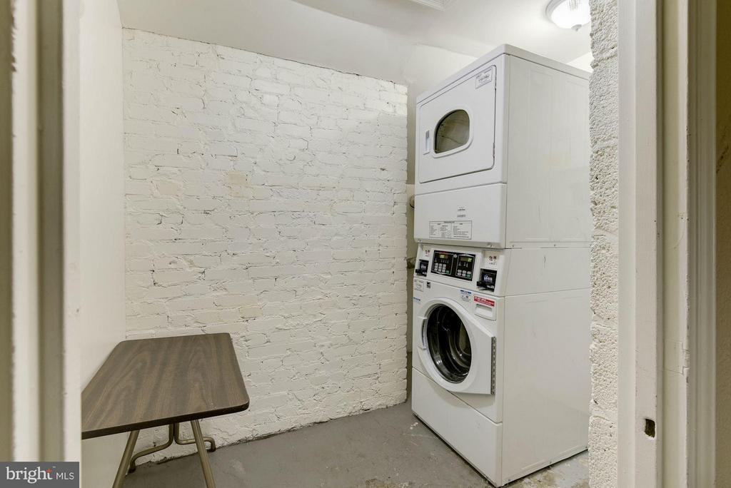 Community Laundry in the Building - 718 S WASHINGTON ST #103, ALEXANDRIA
