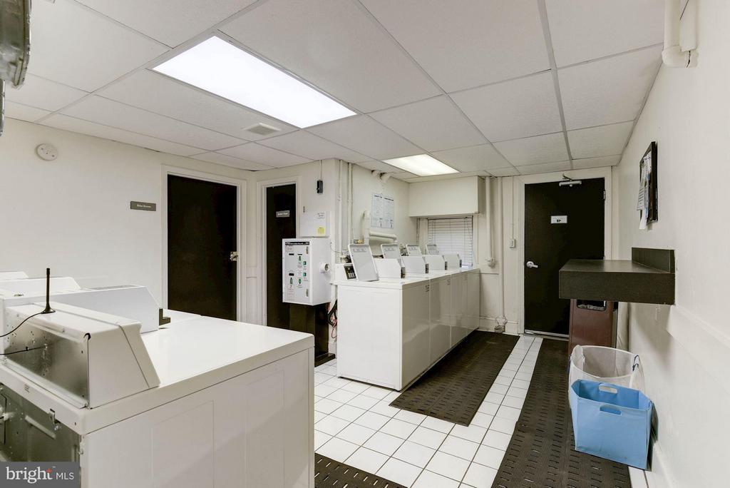 Community Laundry Room in 719 Building - 718 S WASHINGTON ST #103, ALEXANDRIA