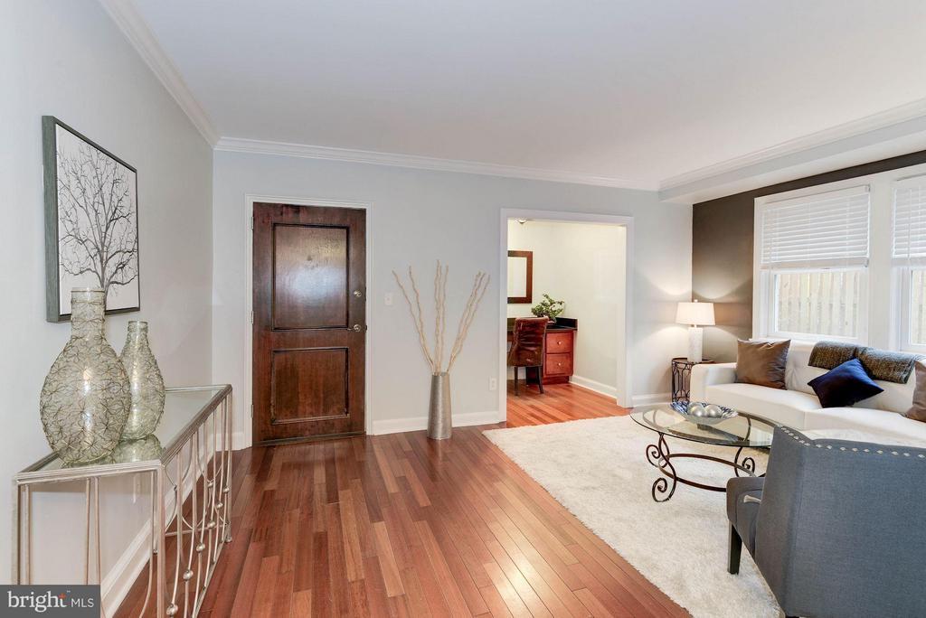 Living Room - 718 S WASHINGTON ST #103, ALEXANDRIA