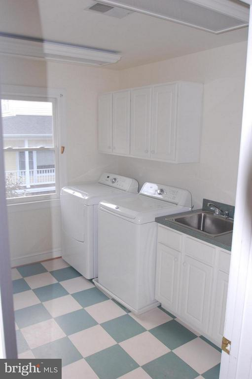 Laundry Room on Bedroom Level - 4853 ROCK SPRING RD, ARLINGTON