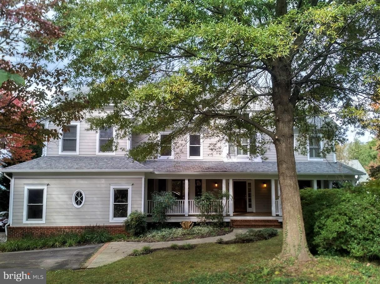 Single Family Home for Sale at 4853 Rock Spring Road 4853 Rock Spring Road Arlington, Virginia 22207 United States