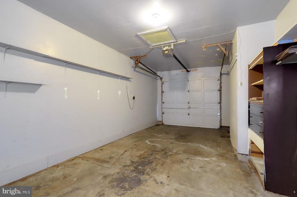 Garage - 8536 MONTICELLO AVE, ALEXANDRIA