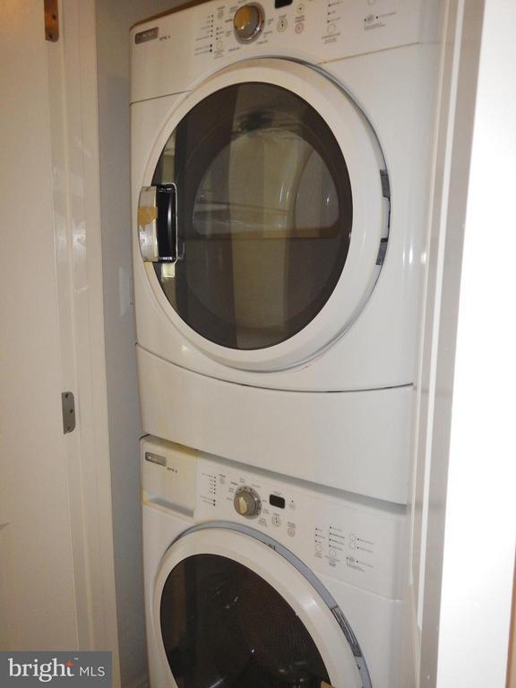 Upper Level Washer/Dryer - 815 23RD ST S, ARLINGTON