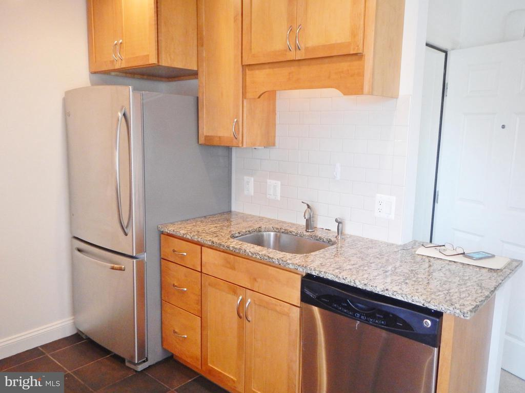 Upper Level Kitchen - 815 23RD ST S, ARLINGTON