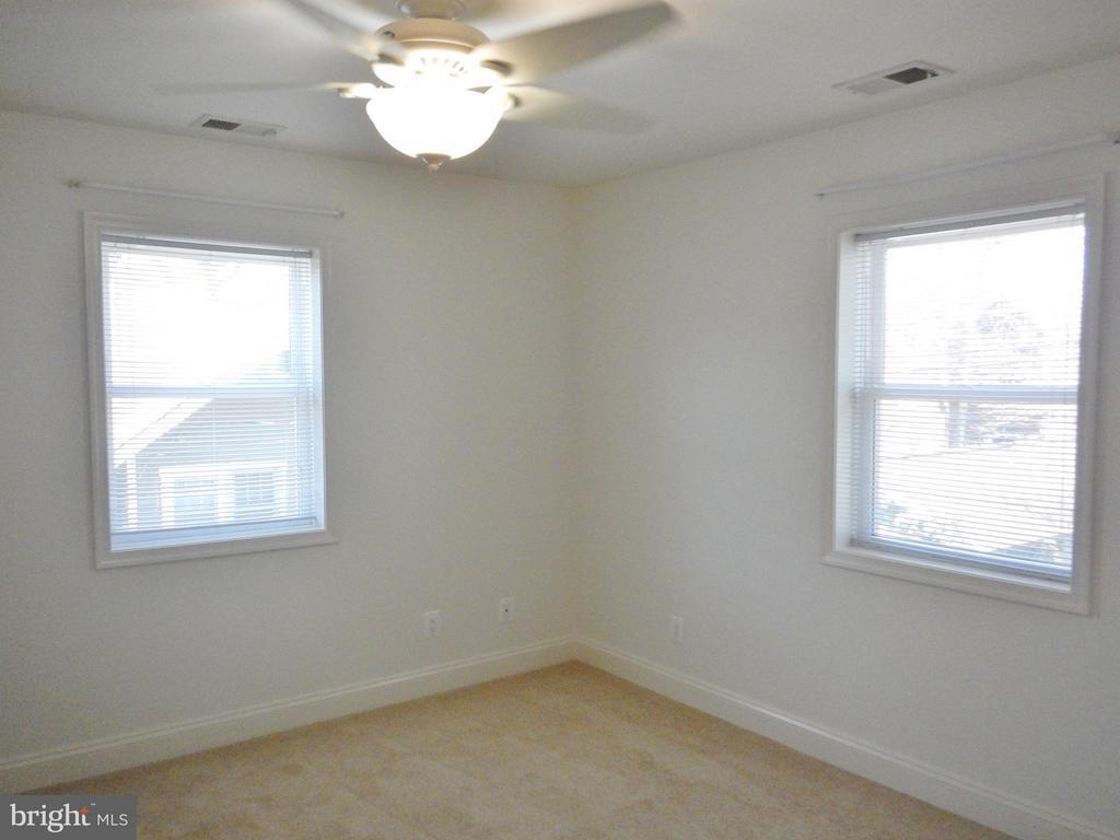 Upper Level Bedroom - 815 23RD ST S, ARLINGTON