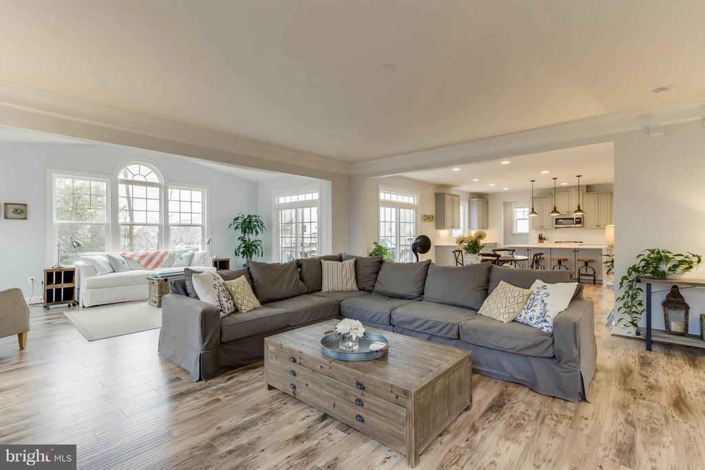 Family Room - 15114 ADDISON LN, WOODBRIDGE