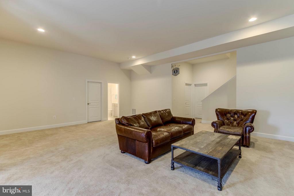 Basement Rec Room - 15114 ADDISON LN, WOODBRIDGE