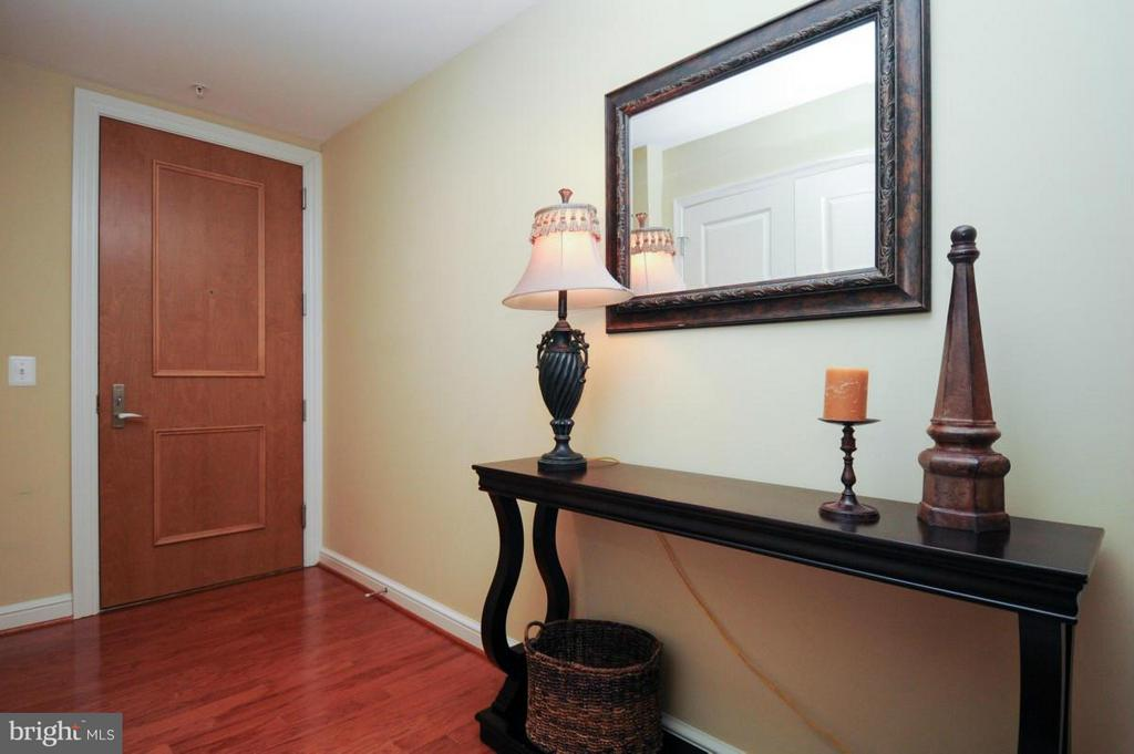 elegant wood floor - 11990 MARKET ST #1117, RESTON