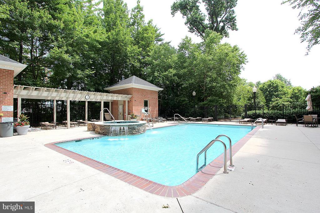 Outdoor Pool - 11776 STRATFORD HOUSE PL #1402, RESTON