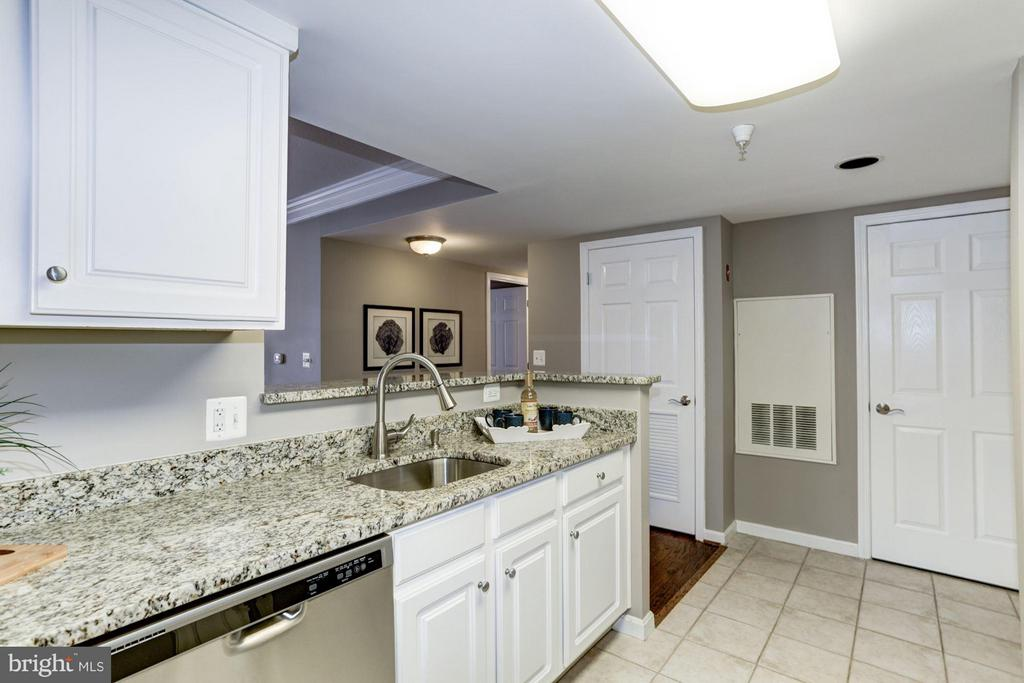Kitchen - 11710 OLD GEORGETOWN RD #1127, NORTH BETHESDA